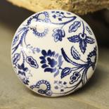 Porslinsknopp, Vit med mörkblått mönster